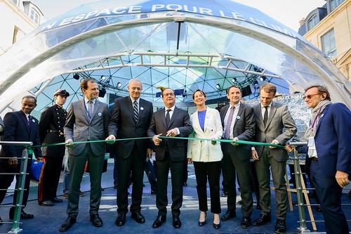 Inauguration par François Hollande, du Dôme du climat du CNES, en présence de Ségolène Royal, Emmanuel Macron et Thierry Mandon (Hôtel de Roquelaure - Paris)