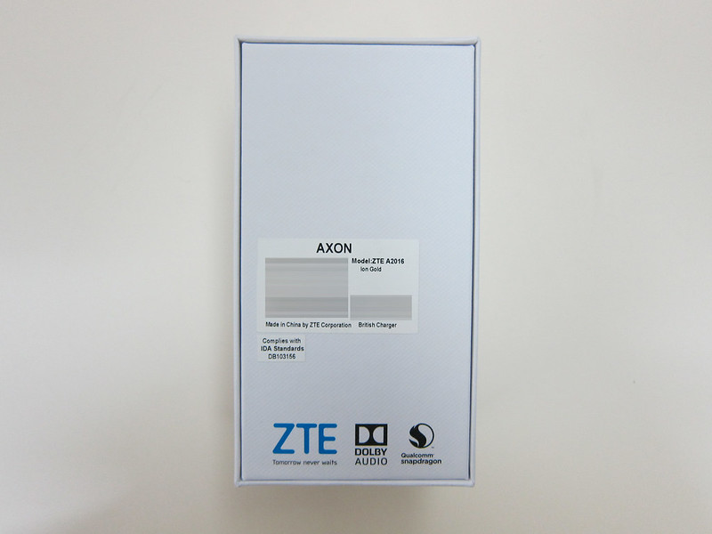 ZTE Axon Elite - Box Back