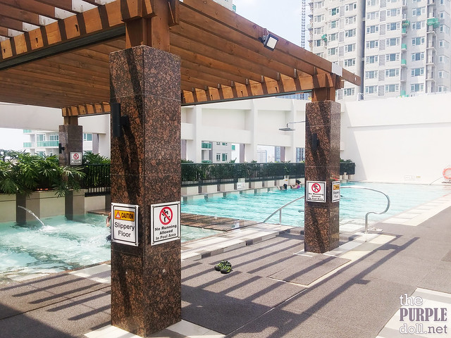 Pool by the Roof Deck at Holiday Inn & Suites Makati