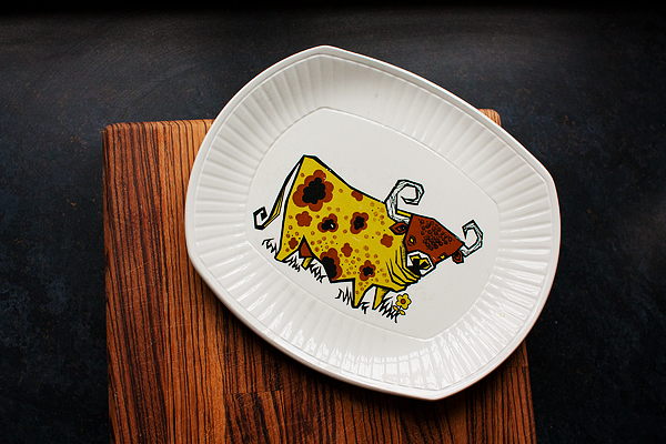 vintage-cow-plate-3