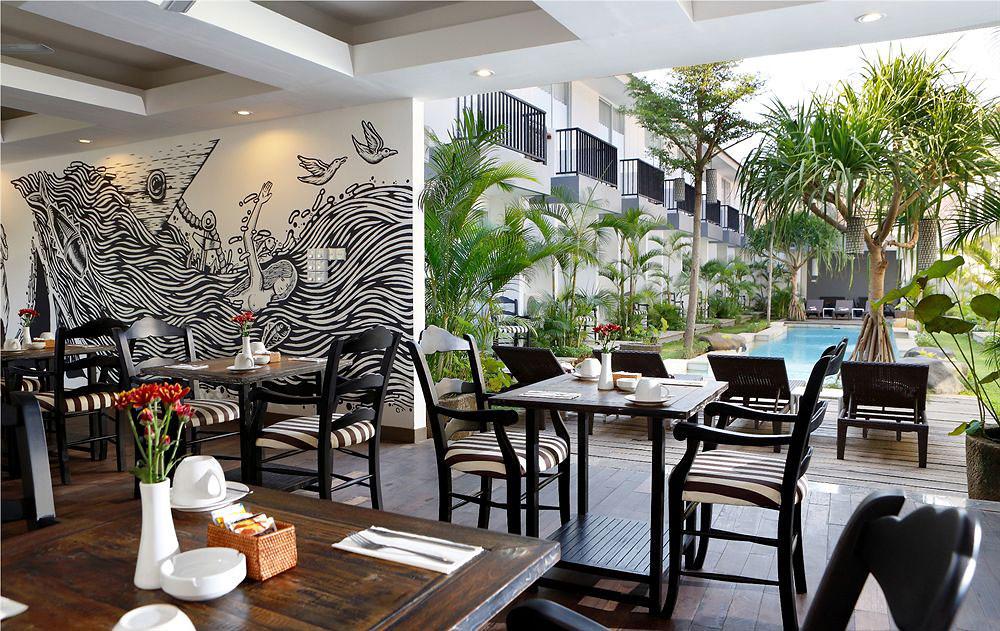 2.-Bidadari-dining-area