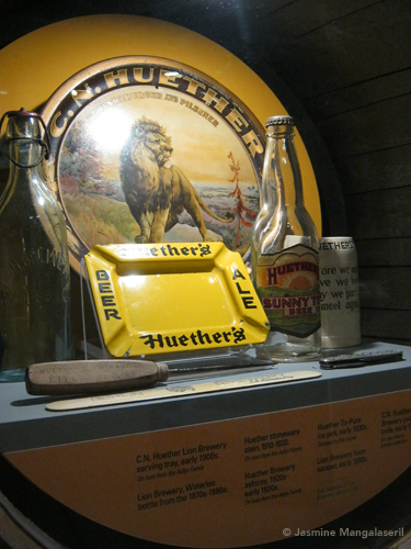 Heuther merchandise