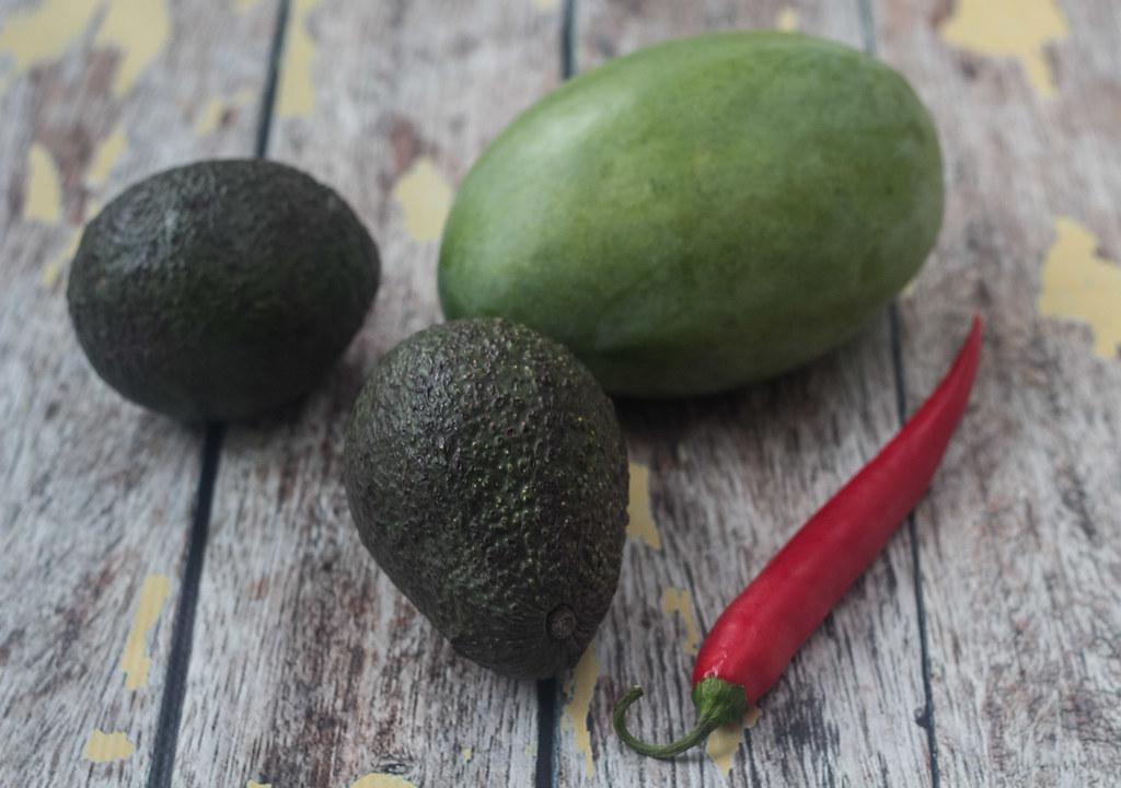 Laks med sesam og avokado-mangosalsa (1)