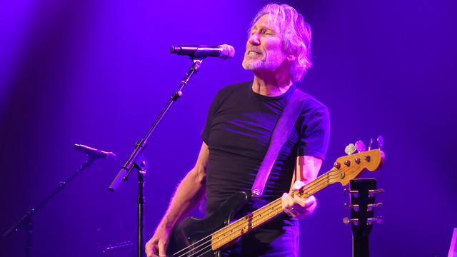 Roger Waters - Roger Waters, Billy Corgan, Tom Morello, Sheryl Crow, G.E. Smith & featuring the MusiCorps Band