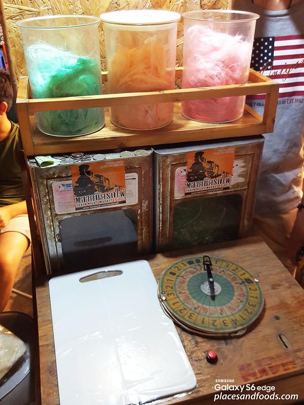 thailand cotton candy (roti saimai) train market stall