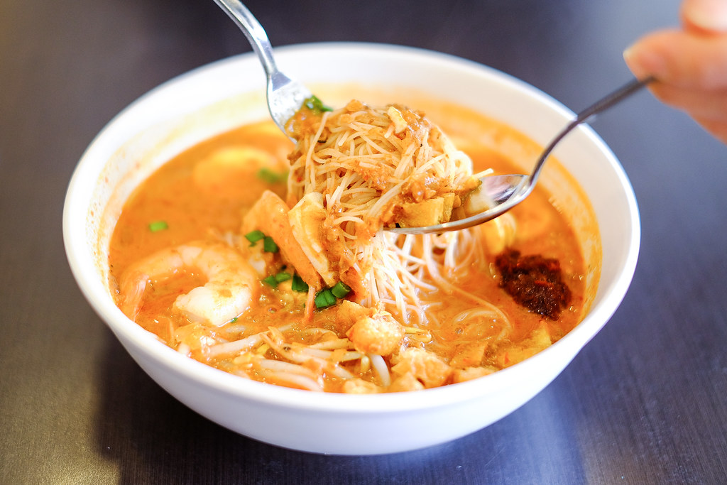 Halal Cafes in the East: The Royals Cafe's Mee Siam