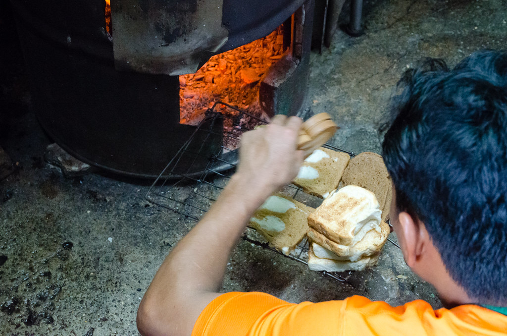 Toh Soon Cafe using charcoal to steam the bread