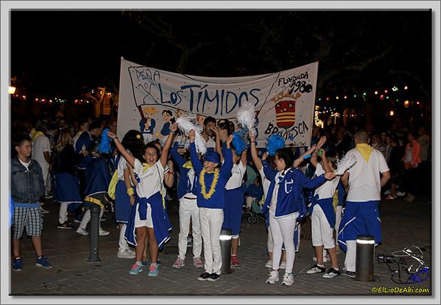 Minuto de silencio en memoria de Pedro Villar y desfile de peñas (9)