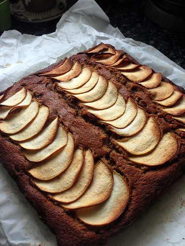 spiced toffee apple cake4