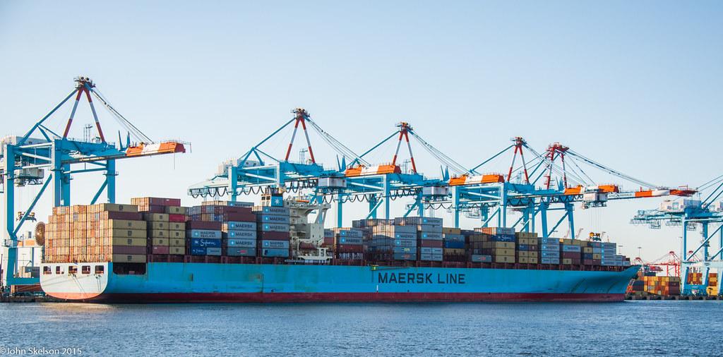Maersk Kalamata at APM Terminal | John Skelson | Flickr