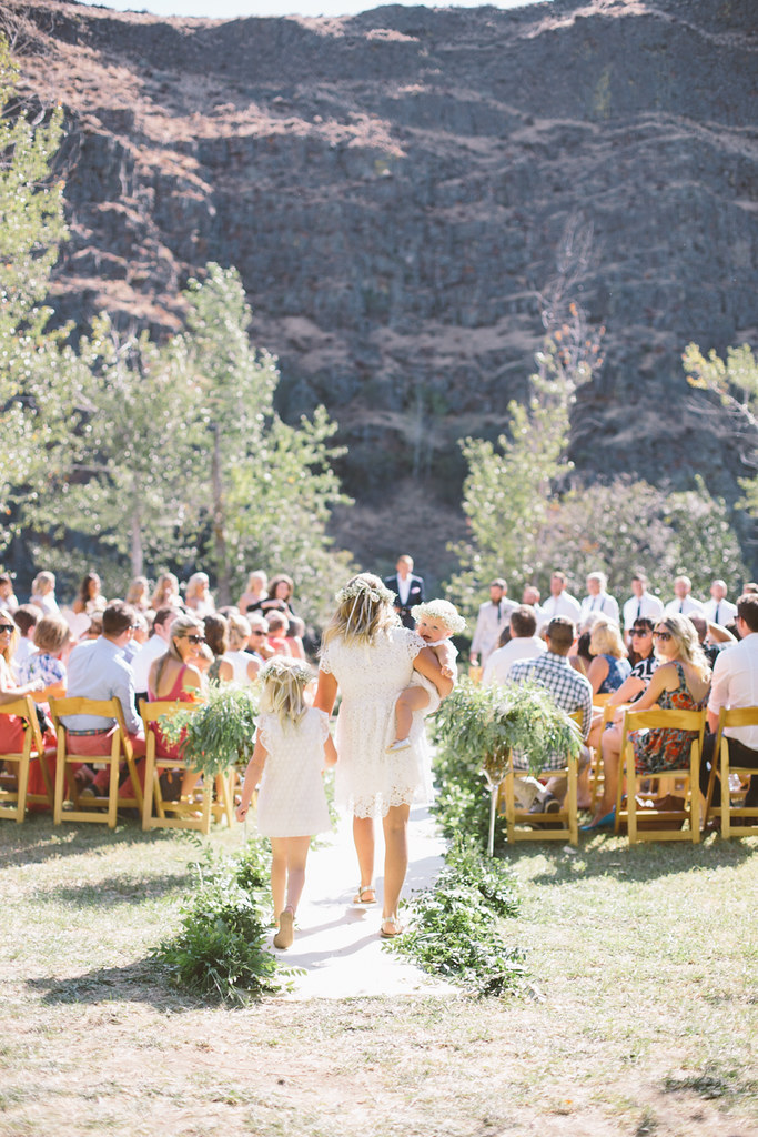 Liz Morrow Studios | Canyon River Ranch Ellensburg Wedding