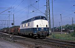 * DB  221 112  bis  221 120