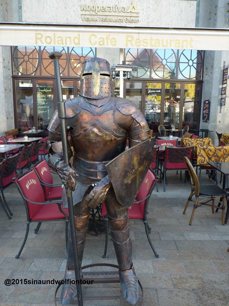 Vor dem Cafe Roland