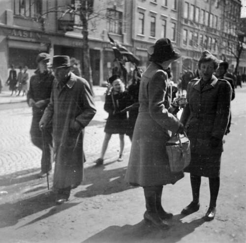 Gateliv på Nordre 17. mai 1945