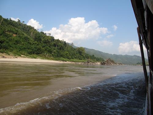 Première journée de bateau sur le Mékong entre Houeisai et Pakbeng