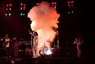 Queen live @ Chicago - 1976
