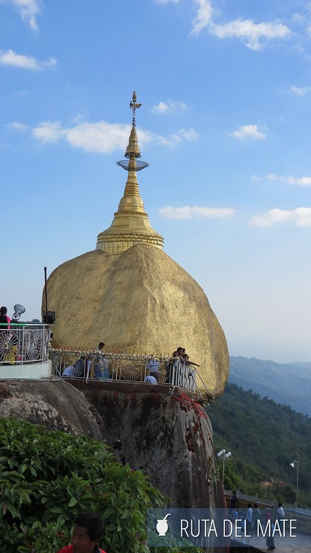 Golden Rock Myanmar (7)