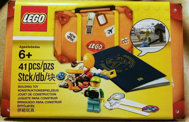 5004932 LEGO Travel Building Suitcase