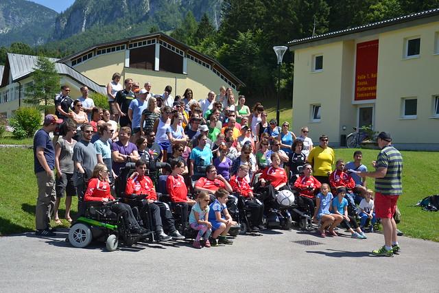 BehindertensportlerInnen beim Ende