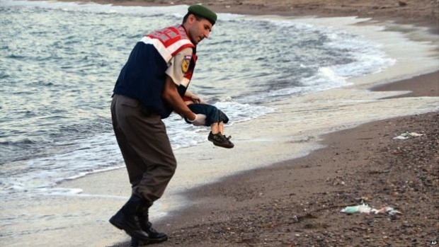 drowned-syrian-migrant-boy-bodrum-turkey-sept-2-2015