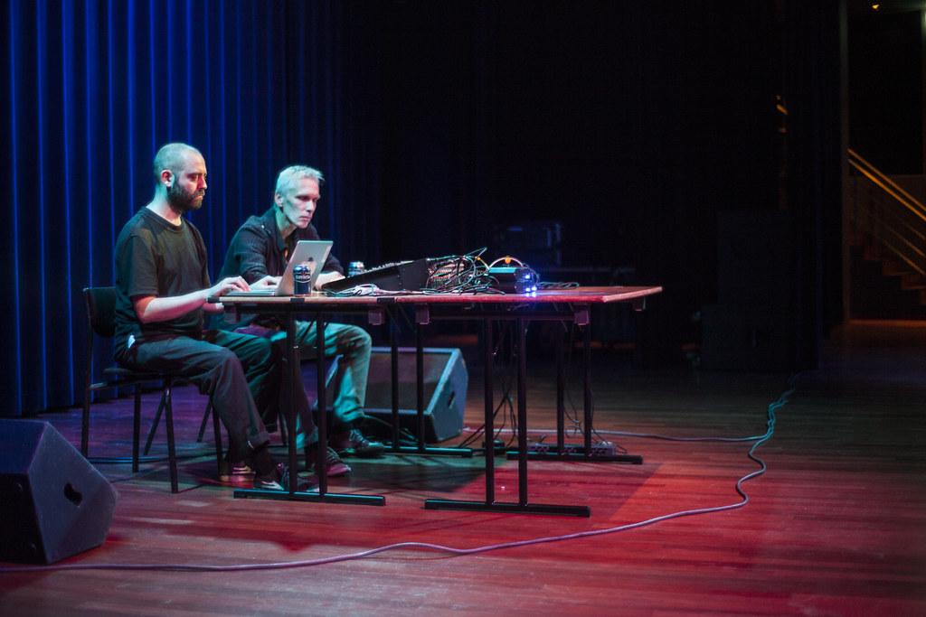 Reinier van Houdt / Koen Nutters: White Metal @ Theaters Tilburg, Studiozaal 14-09-2015