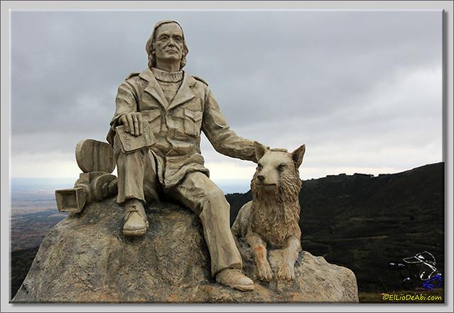 5 Monumento a Félix Rodriguez de la Fuente en Poza de la Sal