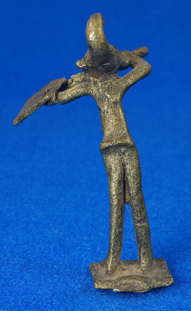 RD14630 4 Vintage African Hand Made Folk Art Primitive Figurines Solid Cast Brass Burkina Faso Yoruba West Africa DSC07089