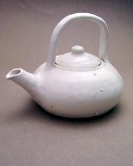 stovetop kettle(0.0), iron(0.0), tableware(1.0), kettle(1.0), ceramic(1.0), teapot(1.0), porcelain(1.0),