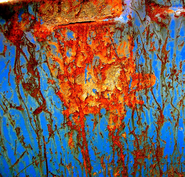 Rust on a blue drum 1