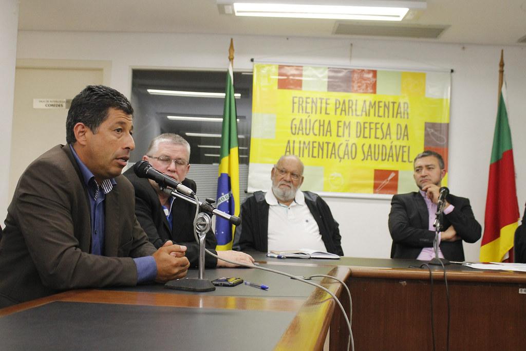 Assentado da Reforma Agrária, o vereador João Cardoso Tigre defendeu ações coletivas de conscientização, envolvendo escolas,�ssociações, cooperativas e entidades não governamentais..jpg