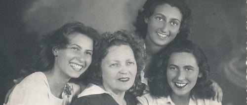 Antonietta Raphael Mafai e le figlie 1940