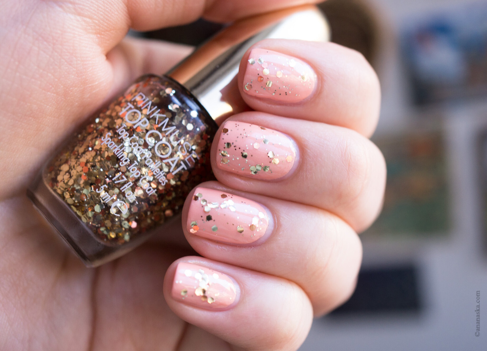 Pink Muse Lasting Color Gel 176 Apricot Pink + Pink Muse Top Coat в оттенке 004 Pink Muse Paillettes