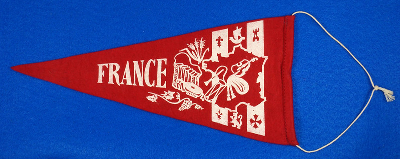 RD15161 Vintage France PARIS Eiffel Tower 2 Sided Red Mini Flag Felt Pennant 11 inch DSC08714