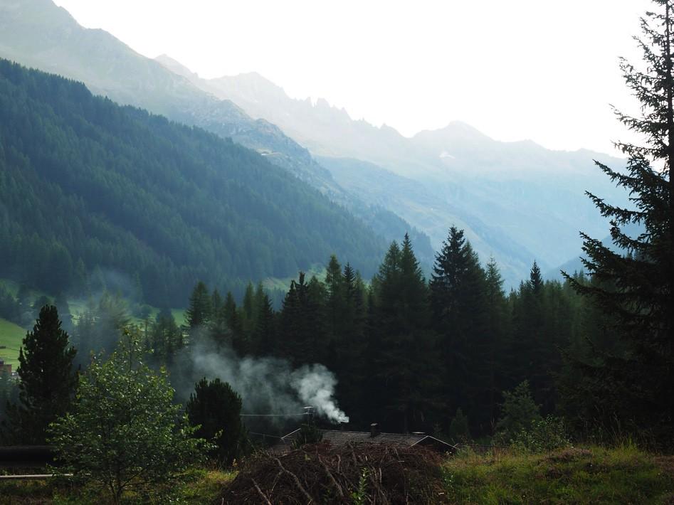 Góry zadymione świtem