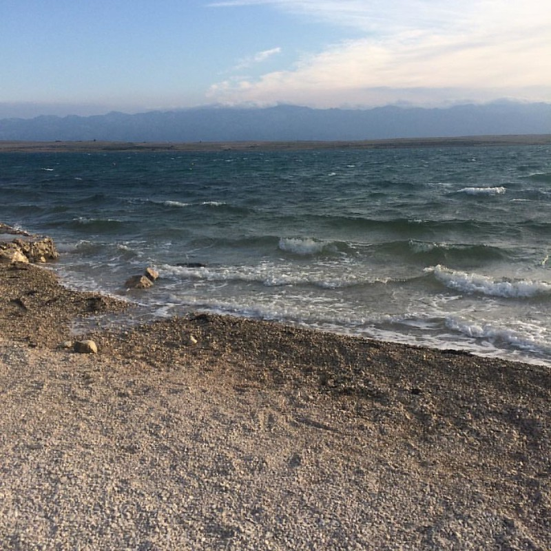 8 uhr früh, stürmisch aber warm,.. #hrvatska #kroatien #croatia #discoverhrvatska #otokVir #islandVir #inselurlaub #foodbloggerontour #travelblogger #austrianblogger