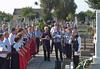 Kranzniederlegung am Gedenkstein für die fern der Heimat Verstorbenen
