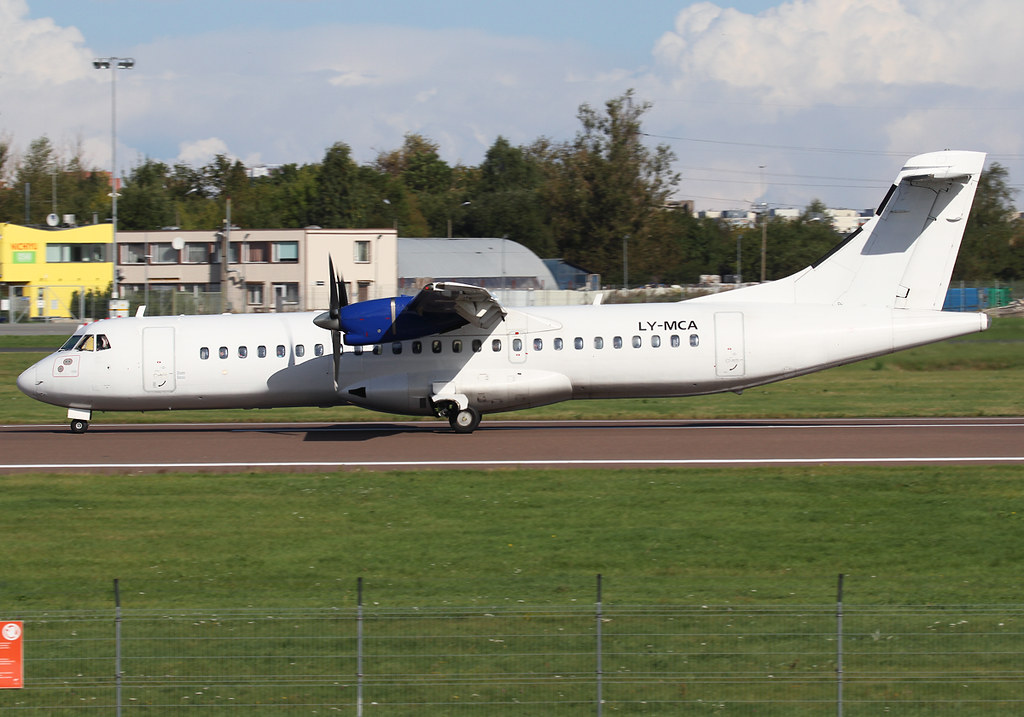 Slowing dowon on RWY26 inbound from Stockholm ARN. Operating for Estonian Air. Delivered 04/1991 to Foshing Airline.