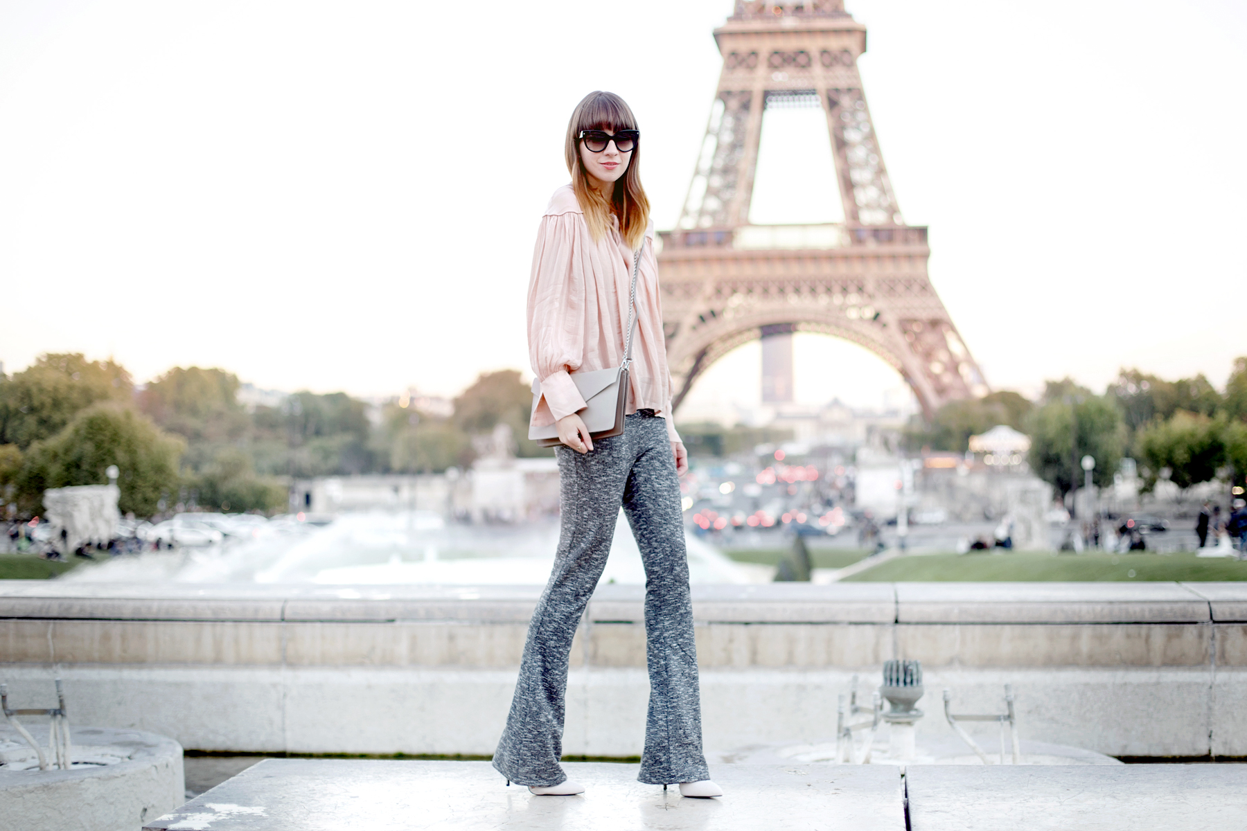 tour eiffel paris pfw fashionweek lancaster paris element bag peach bright outfit ootd look lookbook travel travelblogger inspiration autumn france french fashion blogger cats & dogs fashionblog ricarda schernus 4