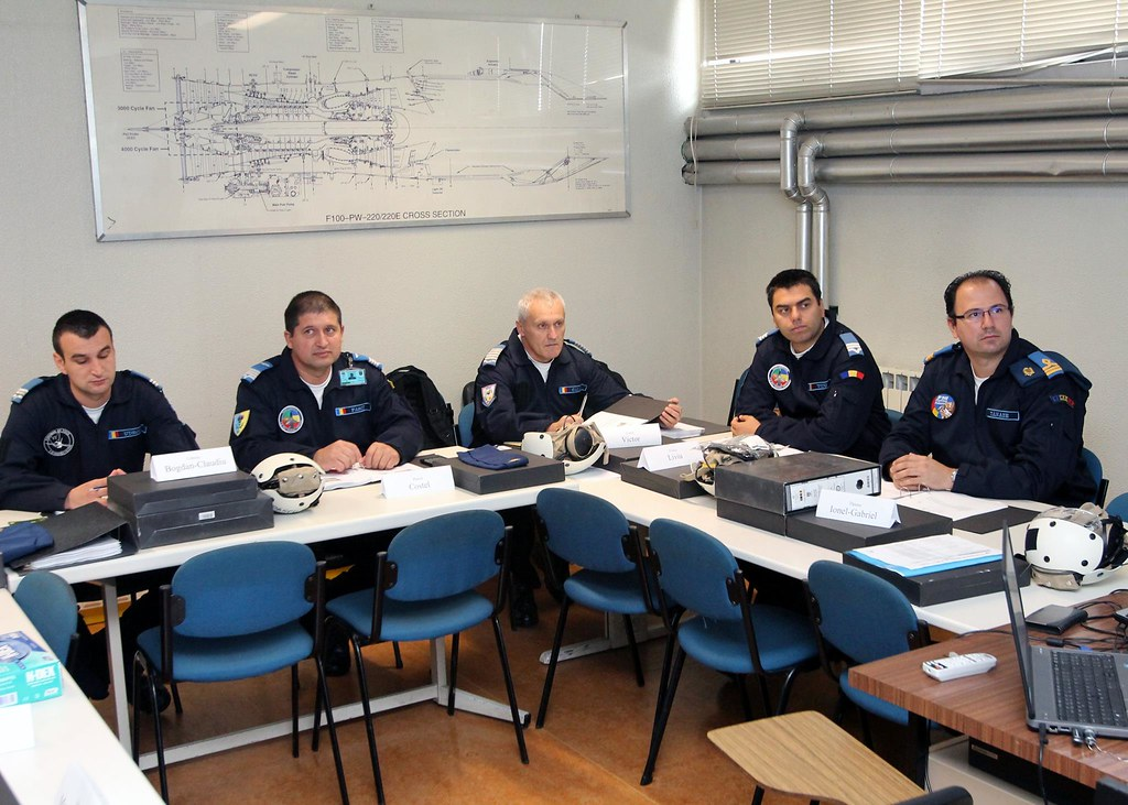 ROAF_F16_piloti_romani (12)