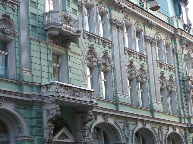 Декор здания Московского купеческого общества