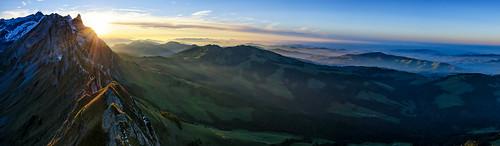 blue sunset sky panorama sun sunlight mist mountain mountains green misty fog schweiz switzerland nikon sonnenuntergang nebel suisse hiking pano w foggy panoramic berge sonne wandern appenzell säntis alpstein 7000 kronberg wasserauen ebenalp 7k fernsicht schäfler d7000 nikond7000