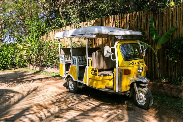 A cute yellow tuk-tuk, Luang Prabang, laos ルアンパバーン、Ock Pop Tok専用のかわいいトゥクトゥク