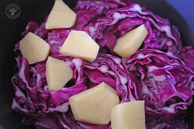 Crema de lombarda con panecillos de jamón y queso www.cocinandoentreolivos.com (20)