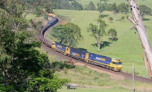 Pacific National 7WB3 rounding the curves at Yumbunga on 6th Dec. 2015. Locomotives are NR117 + AN2 + NR117.