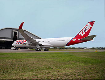 TAM A350-900 roll out (Airbus)
