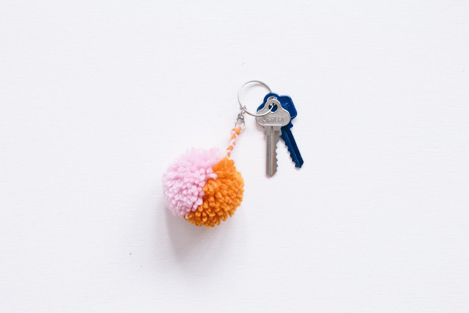 DIY Pom Pom Key Ring