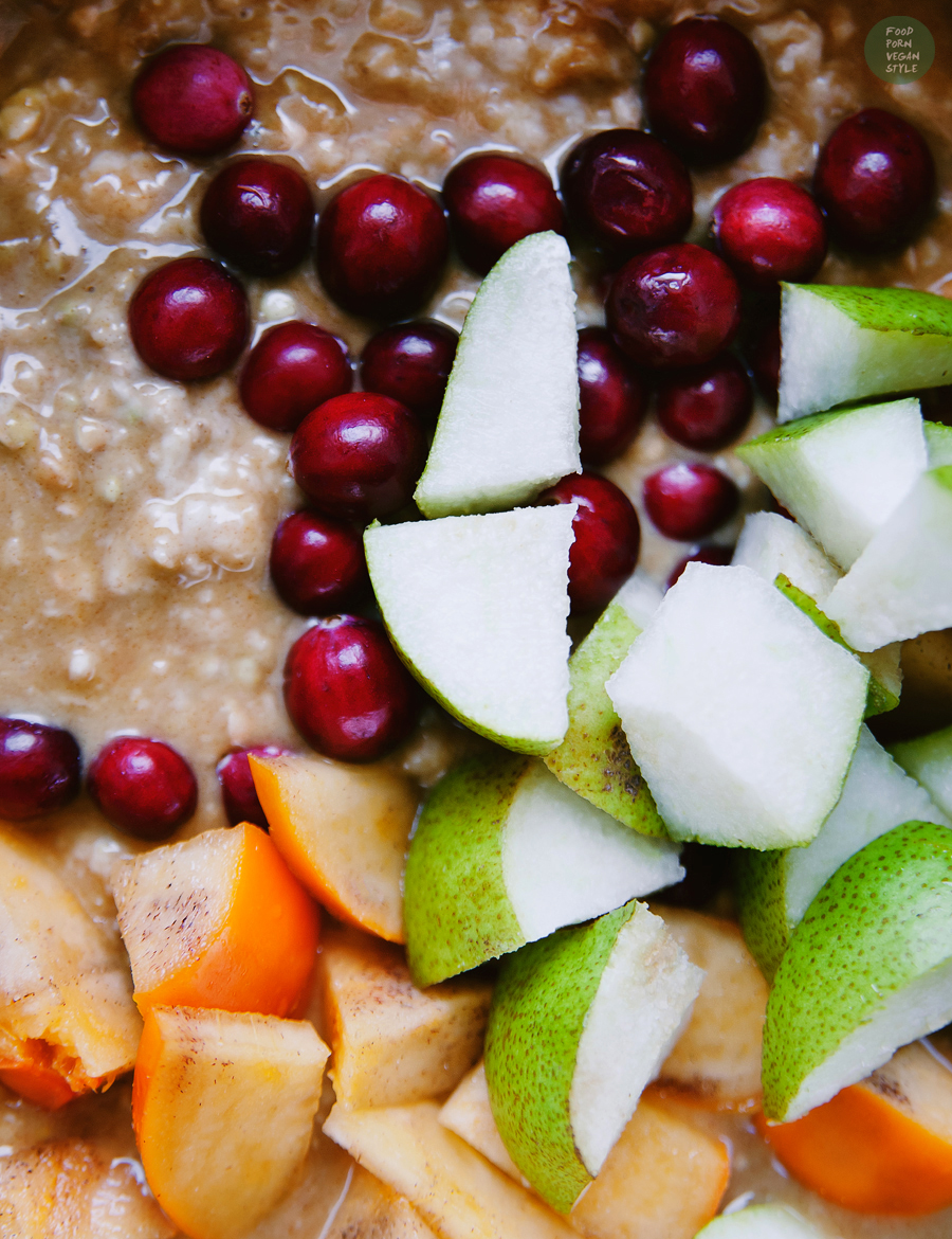 Autumn porridge with spicy pumpkin mousse and fresh cranberries