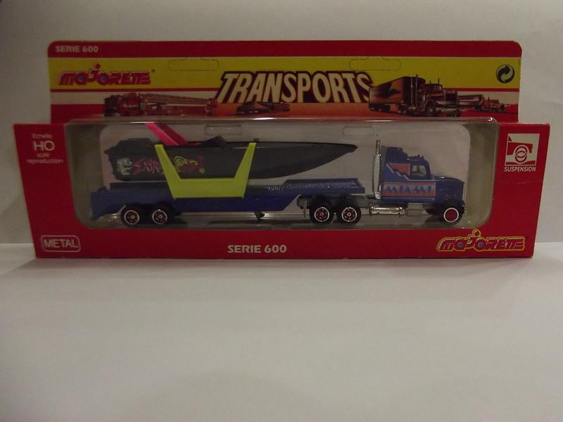 N°613 White + Semi Transport Hors Bord   22588372561_0b63ae877a_c