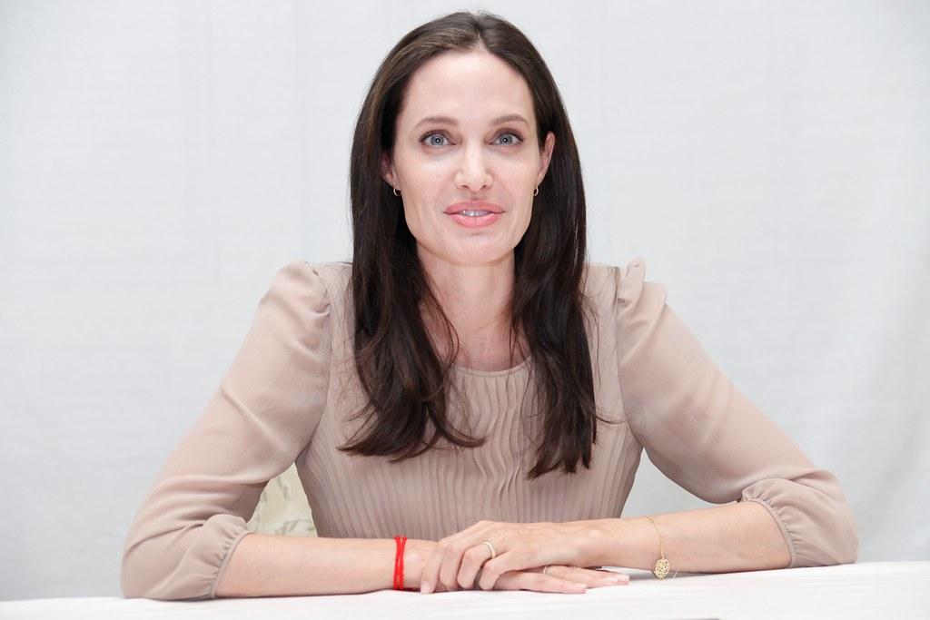 Анджелина Джоли — Пресс-конференция «Лазурный берег» 2015 – 23