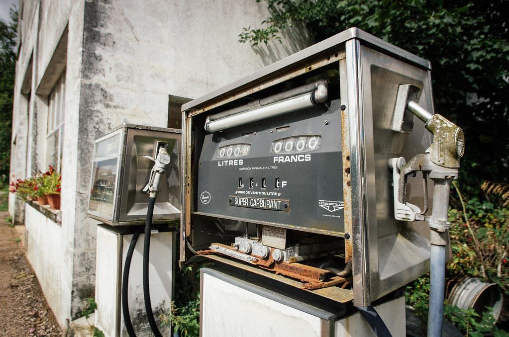 Grande traversée du Morvan - Pompe à essence